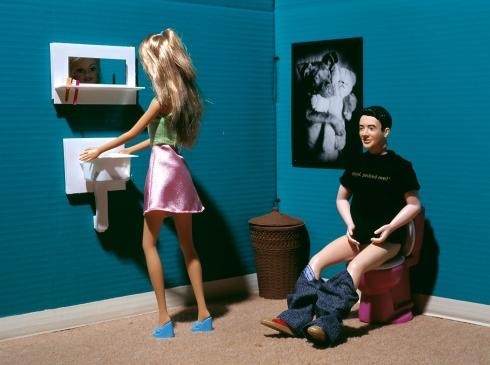 jessica-van-der-weert-barbie-noel-toilet1